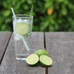 Iedereen drinkt het, maar waar komt gin-tonic toch vandaan