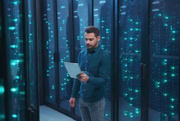 Wat is het verschil tussen reseller hosting en webhosting
